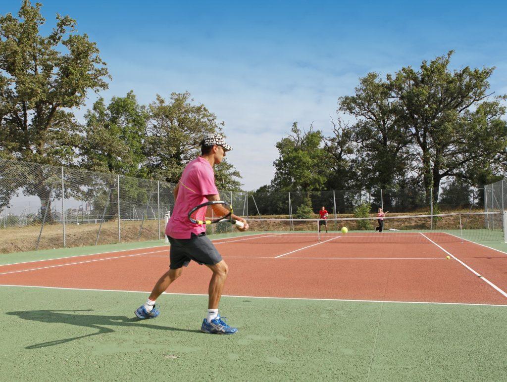 17 campeole domaine de combelles tennis  copie